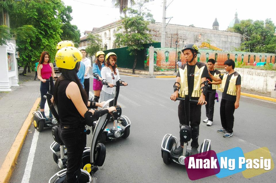 Tour Intramuros with White Knight Hotel's Electric Chariots