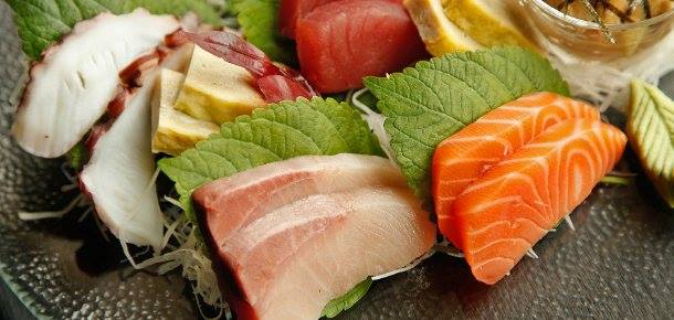 50% OFF on Wafu's 16-Piece Sashimi Platter, Exclusive To Deal Grocer Members