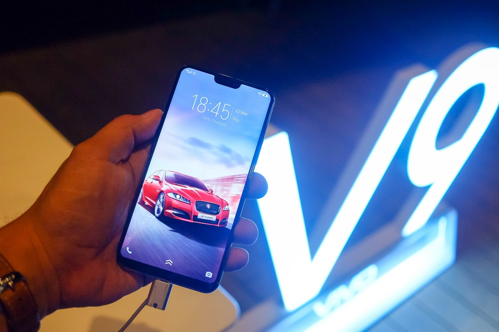 Vivo Launches V9 A Mid-Range-Priced Flagship SmartPhone