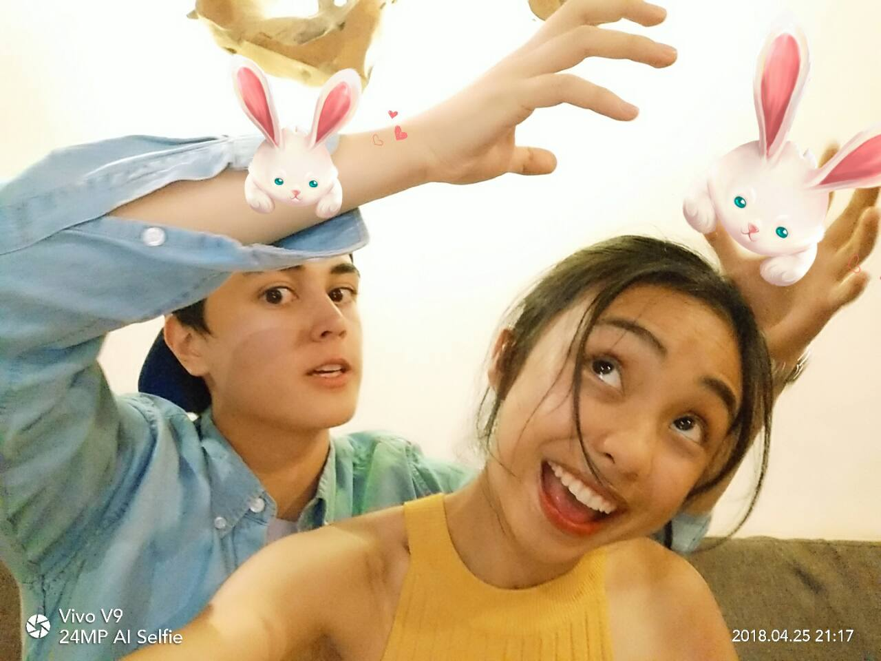 Ace Your Selfie Game with Vivo V9's Adorable AR Stickers