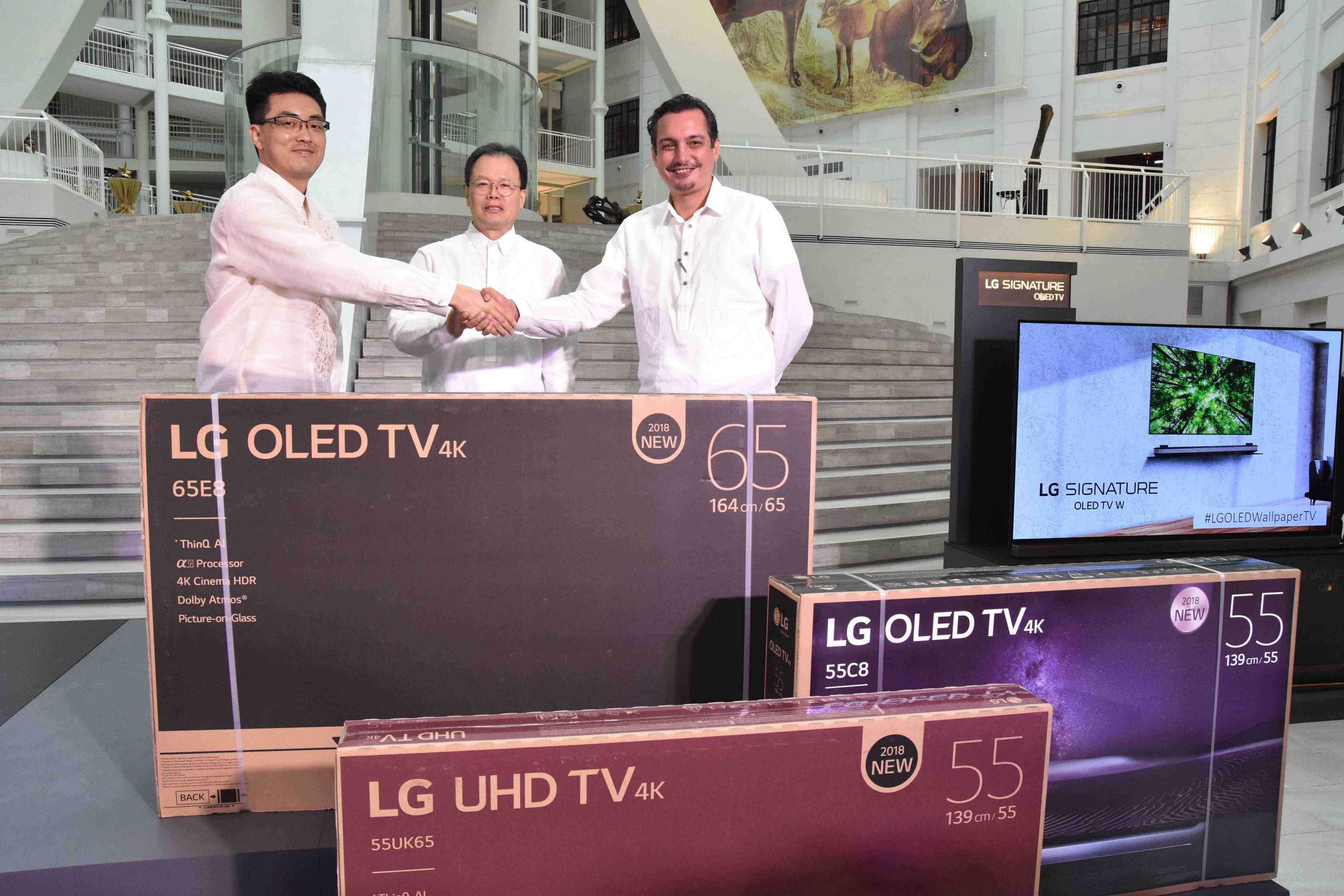 LG Gifts National Museum of Natural History with The World #1 OLED TV