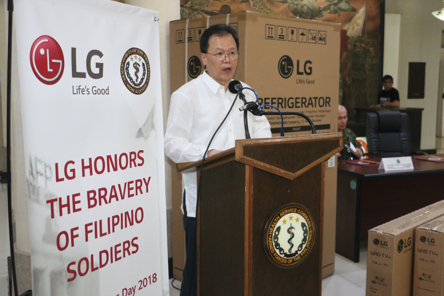 On National Heroes Day, LG Honors the Injured Liberators of Marawi with a donation to the AFP Health Service Command