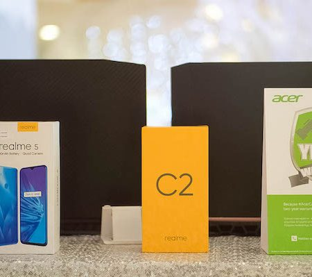 Acer x Realme Spreads the Holiay Cheer with FREE Smartphones.