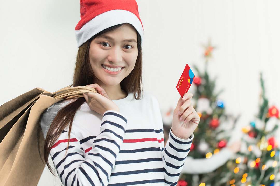 Shop for gifts and reward yourself this holiday season with Robinsons Rewards