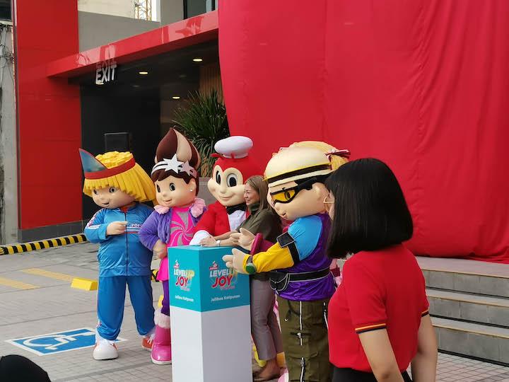 A New Jollier Experience Opens at Jollibee Katipunan